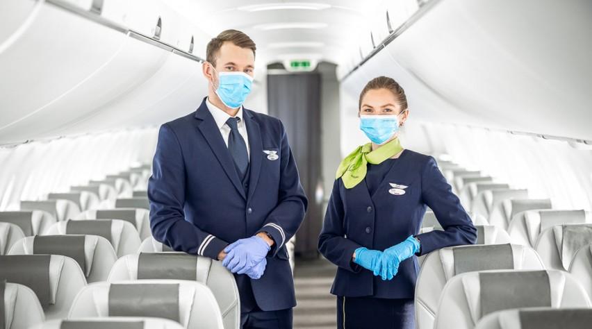 airBaltic crew