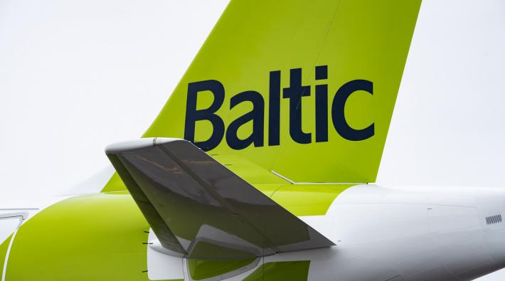 AirBaltic A220