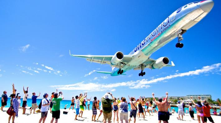 American Airlines SXM
