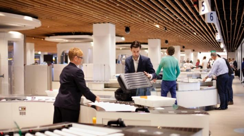 Schiphol security controle