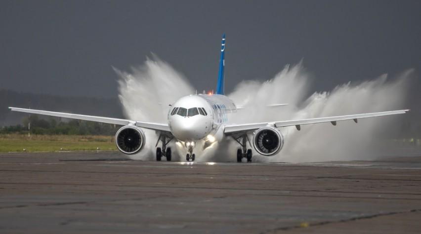 Irkut MC-21-300 watertest