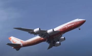 747-8I eerste vlucht