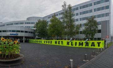 Greenpeace protest Schiphol