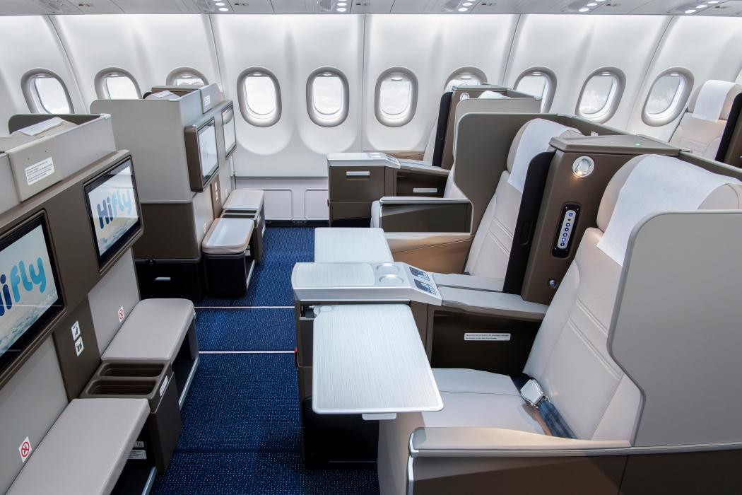 HiFly A330-900